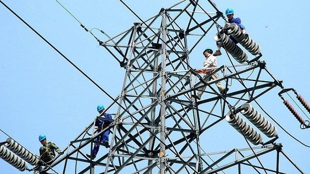 灵州-绍兴特高压直流输电线路跨越长江