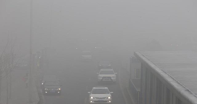 雾霾天气天津电力对电网设备启动特巡