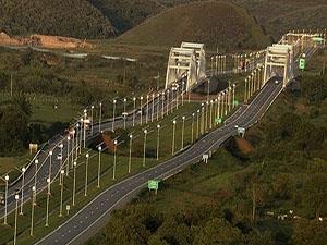 在73千米的高速公路(全长145千米)上设置光伏路灯,使至今还没有输电网图片