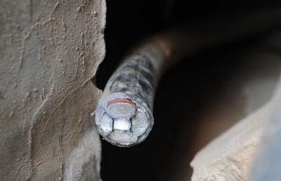 30层高楼电源电缆被割断 业主叫苦不迭