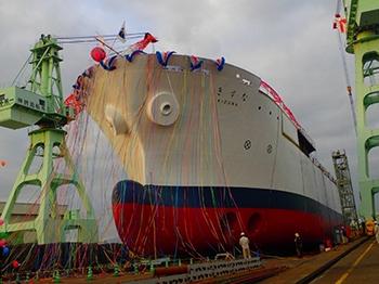 """ntt新的海底电缆敷设船""""纽带""""下水"""