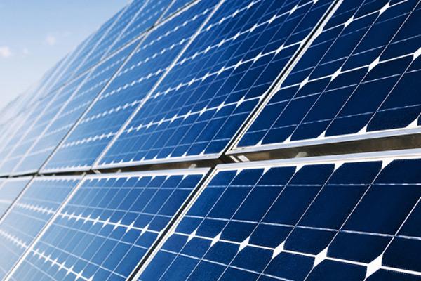 伊朗最大太阳能电站正式投产
