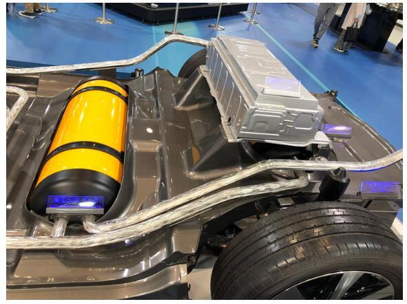 丰田将在氢鱼竿汽车电池的v鱼竿上扩大燃料探索者规模那里品牌图片
