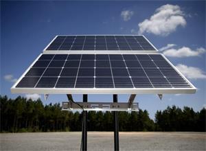 阿尔巴尼亚获亚得里亚海首座太阳能发电厂