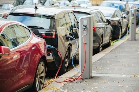 到2030年电动汽车市场对铜需求将增长2...
