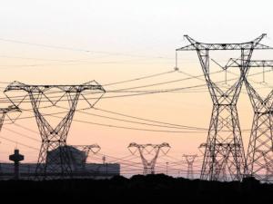 1-8月全社会用电量同比增长4.5% 三产用电量增长较快