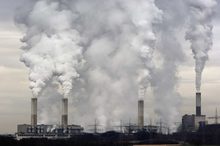 化石燃料每年造成空气污染成本达