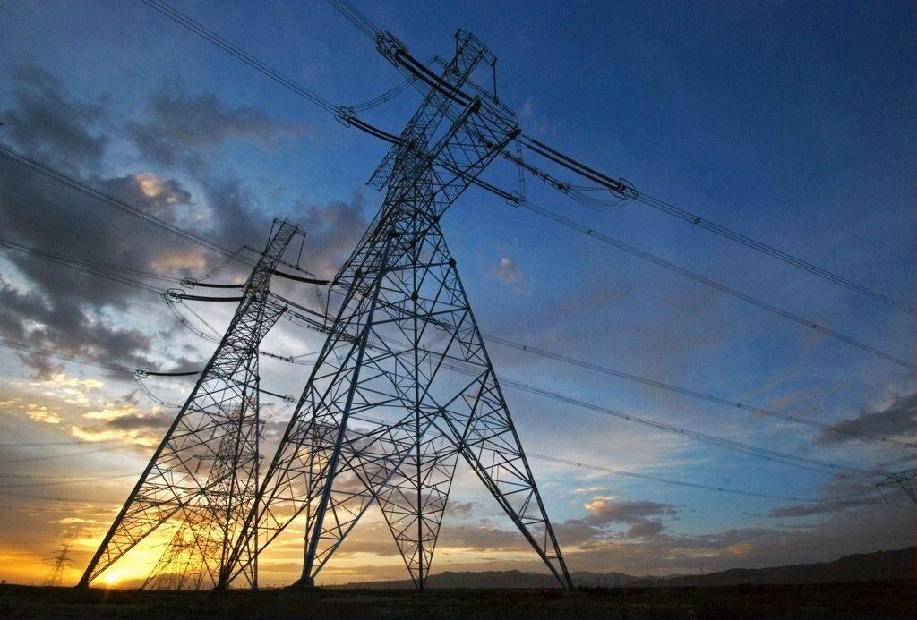 能源局提出持续完善电网主网架补