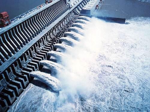 三峡电站34台机组全部并网发电 日发电量近4亿千瓦时