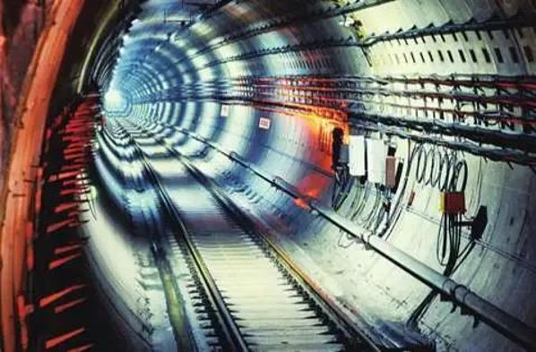 電纜如何讓地鐵動起來?