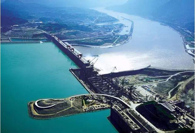 三峡水电站创单座水电站年发电量世界纪录