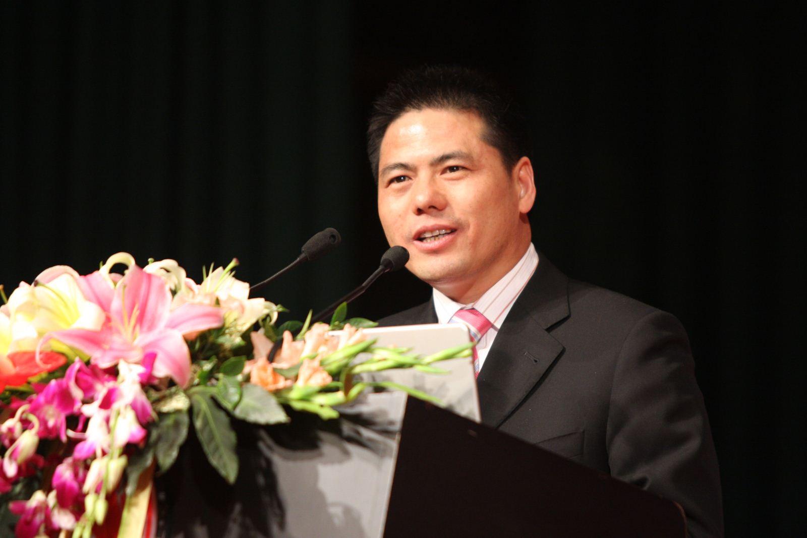 远东控股集团董事局主席蒋锡培
