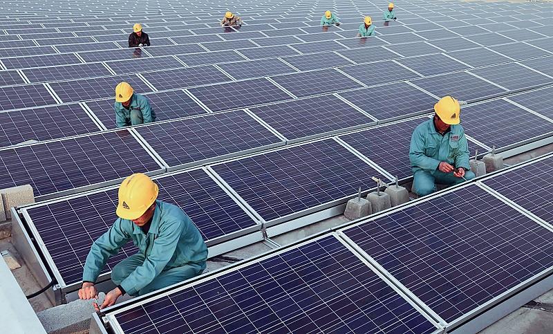 华北最大光伏屋顶发电项目投入使用