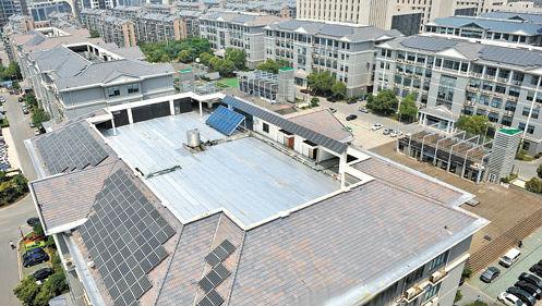 锡工业设计园屋顶上的无锡首个大型屋顶太阳能发电站图片