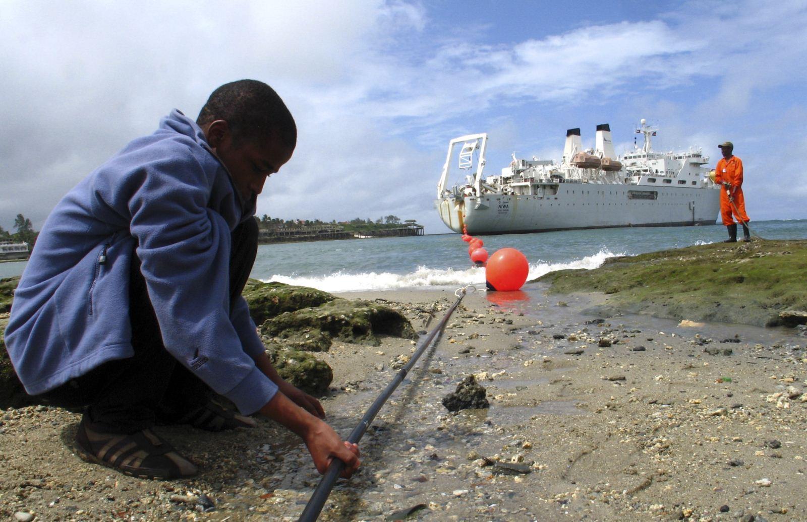 古巴海底电缆建设遭遇寒冬